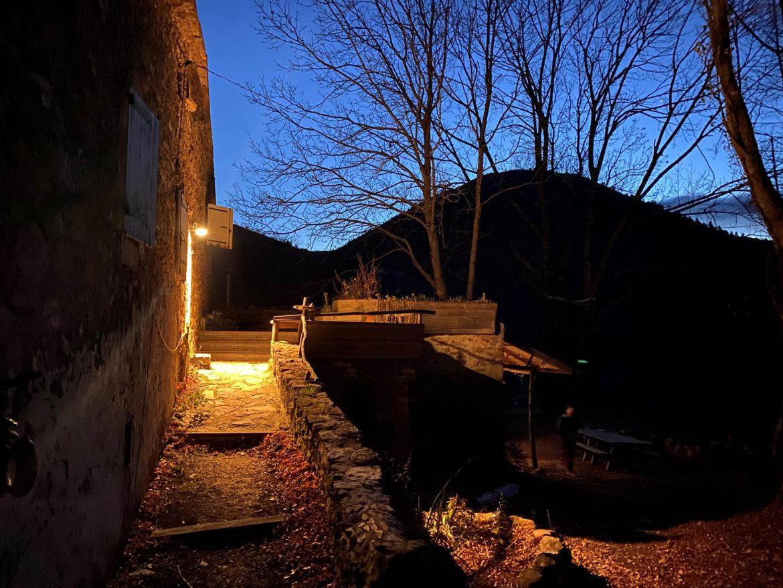 Crépuscule sur la terrasse de La Comtesse